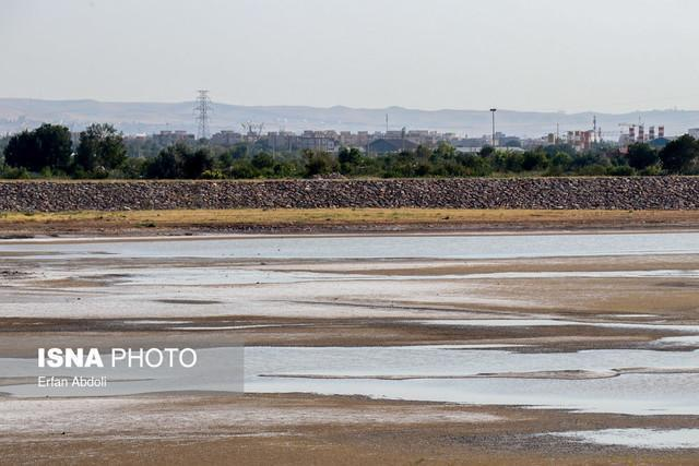 مشاغل جایگزین در حوضه آبریز دریاچه ارومیه ایجاد گردد
