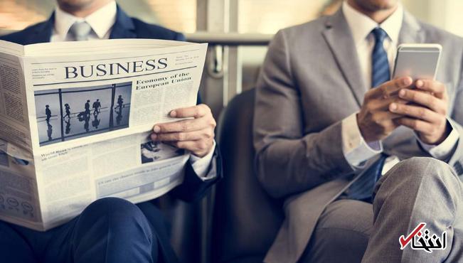 محبوبیت رو به زوال نشریات چاپی در ایالات متحده ، کاربران گوشی به دست روزنامه ورق نمی زنند