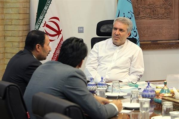 مونسان در دیدار با دو نماینده مجلس تأکید کرد نقش کم نظیر گردشگری در توسعه کشور
