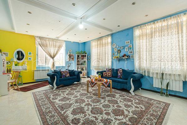 دکوراسیون خانه آبی و زرد فریده؛ شاد و عروسکی