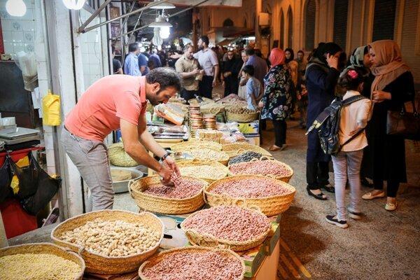 جاذبه های گردشگری آستانه اشرفیه، قطب بادام زمینی ایران