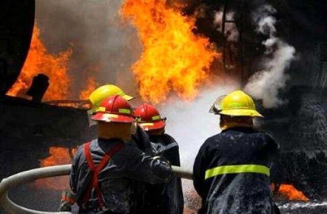 خبرنگاران هشت نفر از حریق مجموعه مسکونی در مشهد نجات یافتند