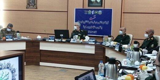 عکس ، حضور متفاوت سرلشکر باقری در یک جلسه ، حضور فرماندهان نظامی با ماسک در جلسه