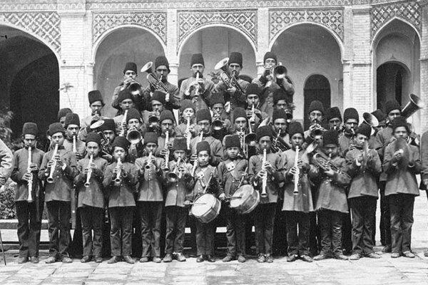 عکس ، نخستین گروه موسیقی دانش آموزی در ایران