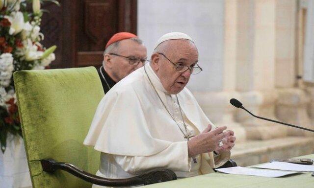 تاکید پاپ به رهبران دنیا : به جای هزینه کردن برای تسلیحات برای درمان پاندمی هزینه کنید تاکید پاپ به اتحاد اروپا برای مقابله با کرونا
