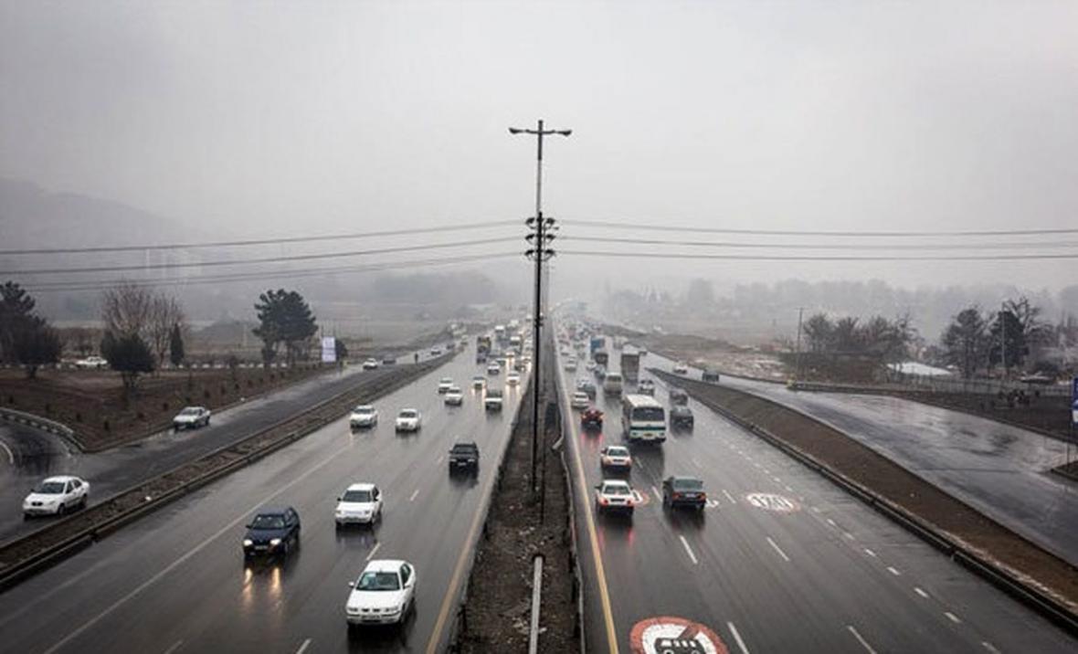 خبرنگاران جاده&zwnjهای خراسان رضوی لغزنده و بارانی است