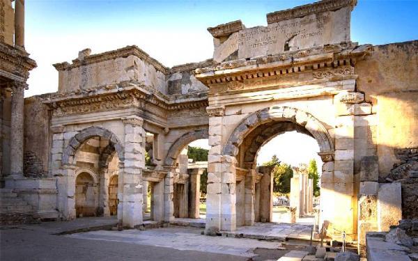 شهر باستانی افه سوس در ازمیر