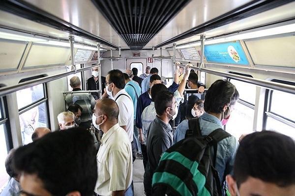 حمل و نقل عمومی و مراکز خرید از عوامل انتقال کرونا ، لزوم راه اندازی تورهای بیماریابی در معابر شلوغ