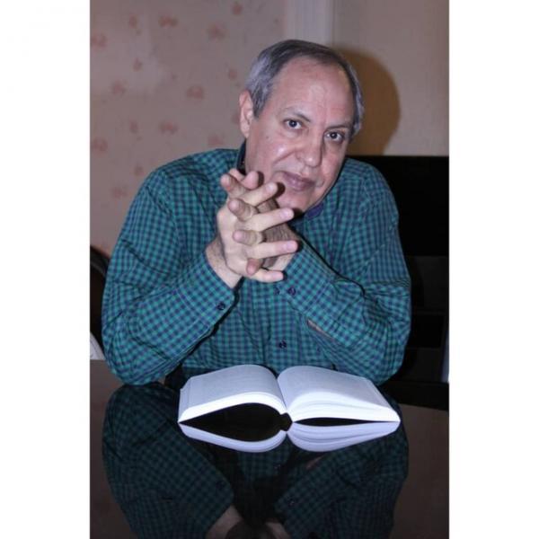 کتاب هایی که به دین لطمه می زنند