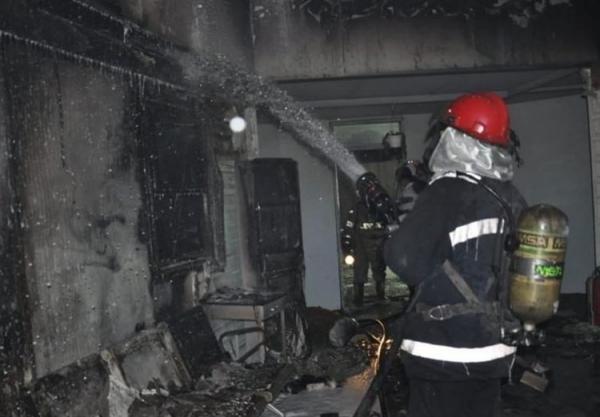 آتش سوزی در کارخانه مواد غذایی در اتوبان کرج ـ قزوین