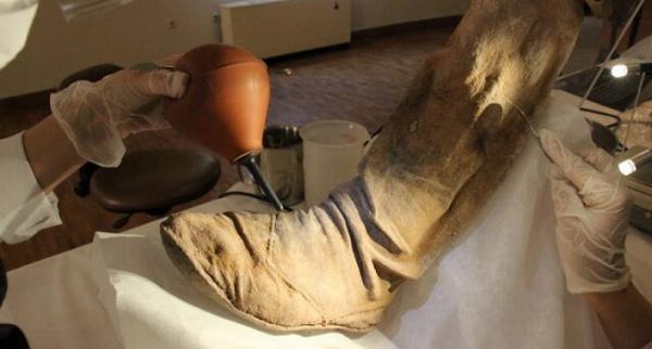 بازسازی چکمه های چرمی مردان نمکی